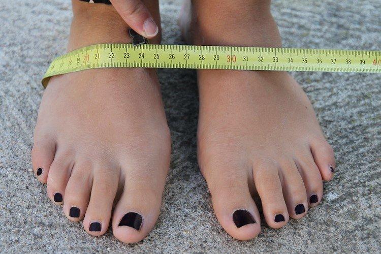 wide feet women